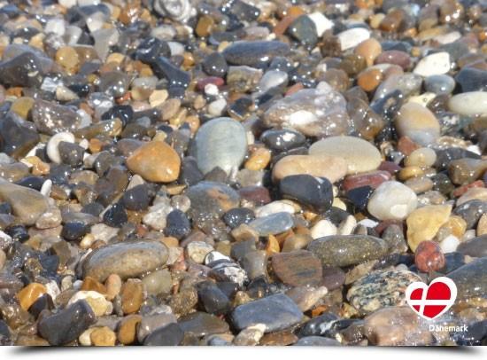 "Postkarte ""Steine am Strand in Vejlby Klit"""
