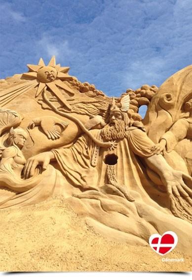 """Postkarte """"Sandskulpturen in Søndervig"""""""