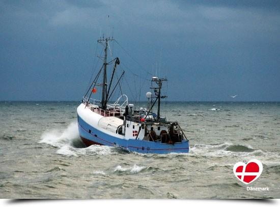 """Postkarte """"Fischerboot in Hvide Sande"""""""