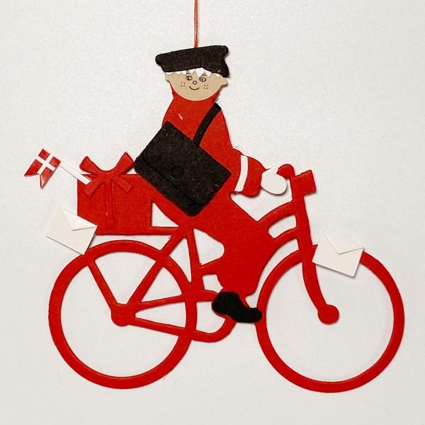 Fensterbild Postbote auf Fahrrad mit Dannebrog